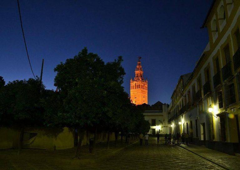 Visita guiada por el Barrio de Santa Cruz de noche